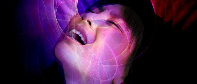 興奮は伝染し、共有し、そして増幅する。