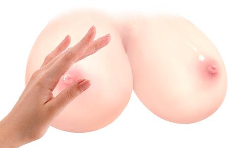 乳首にタッチ